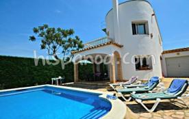 Location belle villa avec piscine privée