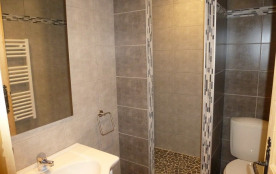 salle de bains RDC avec douche à l'italienne