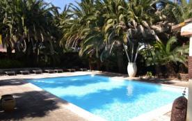 Villa dans un jardin exotique près des Salins