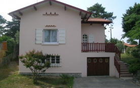 Villa de 70 m² environ pour 6 personnes, situé à 800 m des plages et à 600 m des commerces, le qu...