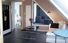 Côté salon,  patio et terrasse