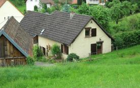 Ancienne fermette rénovée,au contact de la nature, en périphérie de village