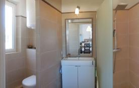 1ER ÉTAGE Salle de bain. Wc gauche douche a droite