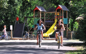 Camping Eurolac - MH 2 Ch 6pers -  5 Adultes Max + 1 Enfant (-14ans)