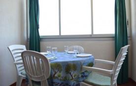 Appartement 2 pièces de 35 m² environ pour 4 personnes située sur la rive gauche à deux pas du Se...