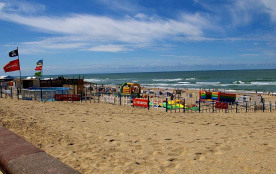 la plage de SOULAC et le club enfants