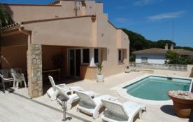ALIZEA, moderne maison avec piscine privée pour 7 personnes