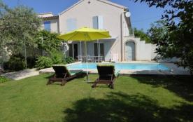Villa, gite de France, indépendante avec jardin clos et piscine privée. - Mouriès