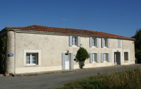 Gîte 3 étoiles pour 6 à 7 personnes près de La Rochelle à 25 minutes de la plage - Surgères