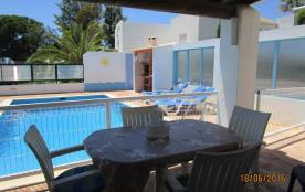 Villa avec piscine et jardin Privé
