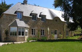 Gîtes de France Le Lavoir Gabriel. Maison indépendante avec un terrain non clos privé au rez-de-chaussée.