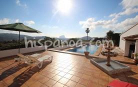 A louer jolie villa pour 8 personnes avec piscin
