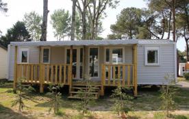 L'évasion 8 personnes (3 chambres et 2 salle de bains) - Le camping 3 étoiles le Domaine de Pont-Mahé vous propose po...