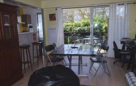 Très agréable appartement 2 pièces joliment aménagé pour 4 personnes en rez-de-chaussée d'une rés...