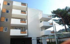 Le Lavandou (83) - Centre - Résidence l'Oasis. Appartement T2 - 40 m² environ - jusqu'à 4 personn...