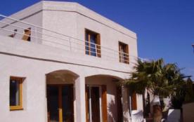 Grande villa avec piscine et jardin à 200 m des plages