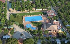 MHL 3 chambres 6 places 30 m² climatisé terrasse intégrée. Venez profiter en famille de cet environnement privilégié ...