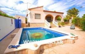 Agréable villa indépendante avec piscine privée pour 7 personnes.