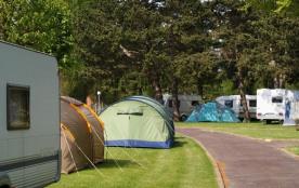 Camping Municipal des Bords de l'Aure, 140 emplacements, 10 locatifs