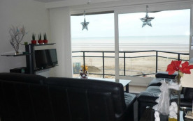 Verzorgd appartement op zeedijk met dubbel terras en garage