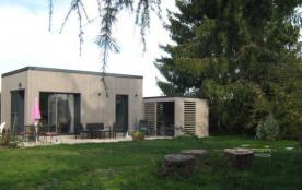 """""""LE PETIT CHALET"""" - une OASIS de BIEN-ÊTRE  avec charme, grand confort, cabine de douche, hammam, jacuzzi , (piscine)."""
