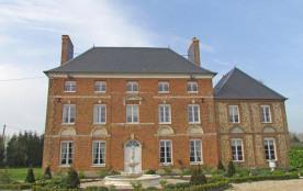 Gîtes de France Manoir de Manoury. La maison principale de ce vaste corps de ferme est désormais ...