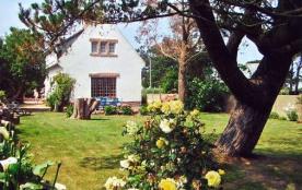 Villa traditionnelle à Trégastel, Bel environnement et situation exceptionnelle, rue de l'île Ren...