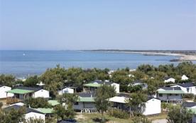 Camping Le Clos du Rhone  - Mh 2ch 6pers + Terrasse bois semi-couverte