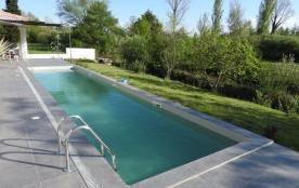 La Sorgue est une charmante maison de vacances située dans la belle région du Vaucluse dans la vi...