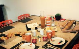 La cuisine réservée à nos hôtes et petits déjeuners- Royan - Charente maritime