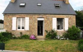 Maison bretonne à Trégastel, route de Poul Palud (axe Trégastel-Perros), 200m mer et centre appro...
