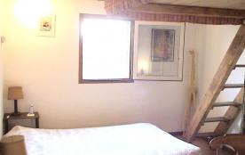 une  chambre plus lit en mezzanine