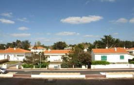 FR-1-323-71 - LOCATION STUDIO SAINT JEAN DE MONTS BALCON  CÔTE  COUR POUR TOUTE TRANQUILLITE