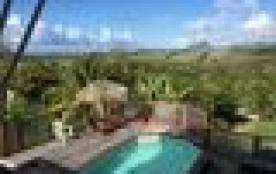 Grande villa créole avec piscine, vue mer, morne Larcher et rocher du Diamant