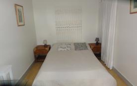 Chambre n°2 côté lit