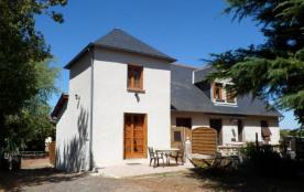 Nous vous accueillons dans notre gîte, avec terrasse privée et terrain indépendant à proximité de...