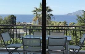 Appartement à Cannes piscine dans un parc vue mer à 300 m de la plage