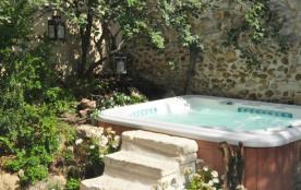 demeure de charme avec jacuzzi près de St Rémy de Provence