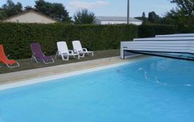piscine couverte et cloturée