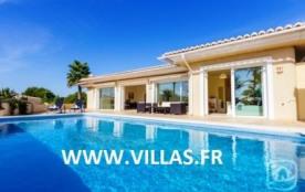Villa AB Laco - Villa de bon standing pour 6 personnes profitant d'une grande terrasse extérieure...