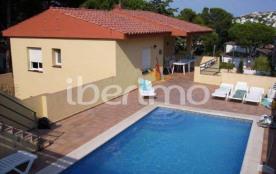 IB-8018 - Villa sur deux niveaux avec piscine privée dans le quartier tranquille de Puig Sec.