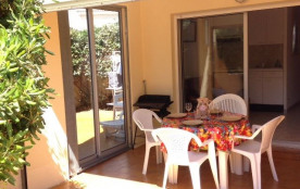Location vacances : 2 pièces cabine 4 couchages en rez-de-chaussée dans résidence proche plage.