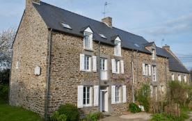 BELLE MAISON à 17 kms de Saint-Malo, dans un village breton typique des bords de Rance