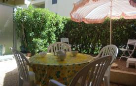 Le Lavandou(83) - Les Prés - Residence Les Parcs du Lavandou. Appartement T2 - 40 m² environ - ju...