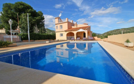 Del Almendro Par, Enrique - Villa à Calpe qui possède 5 chambres et capacité pour 11 personnes.