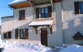 Confortable maison dans le Jura, proche des pistes de ski, des lacs et de la Suisse