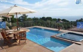 Villa CV YEI - Jolie villa indépendante avec piscine privée située dans l'urbanisation Roca Gross...