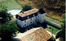 Gite logis 14 personnes Charente - Dordogne piscine