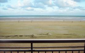 Bel appartement 2 chambres-1er étage-incroyable vue sur mer