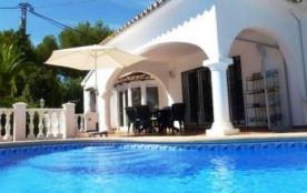 Villa VM Vere - Agréable villa pour 6 personnes profitant de sa piscine privée située sur la zone...